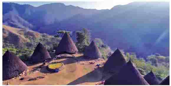 Rumah Adat Suku Manggarai