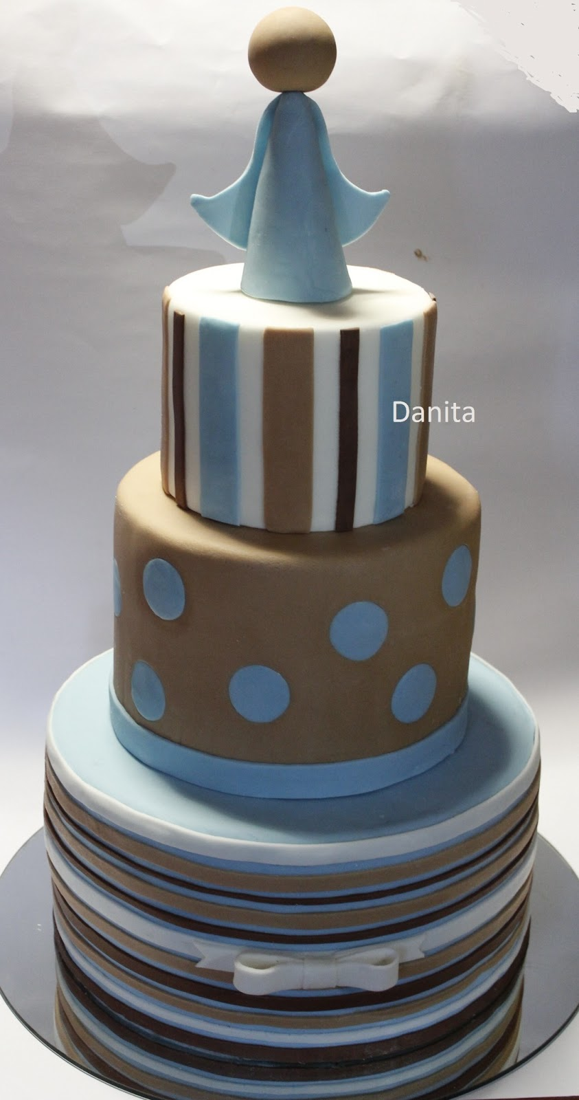 Favoloso Le leccornie di Danita: Torta a righe e pois per comunione DF27