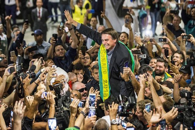Bolsonaro e apoiadores
