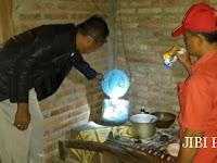 Bergegas ke Dapur Karena Anaknya Menangis, Kusnan Jumpai Ibunya Tewas Berdiri karena Tersetrum