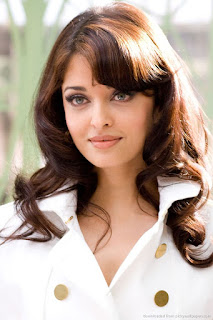 Aishwarya Rai Smooth Hairs