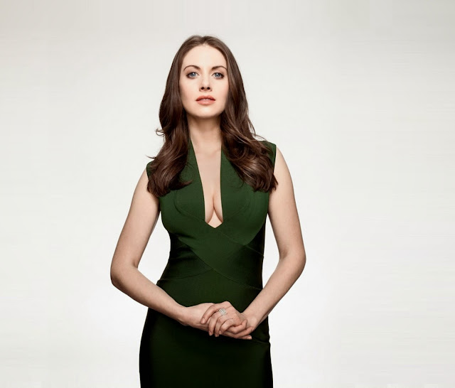 Hollywood Actress Wallpaper: Alison Brie Wallpapers