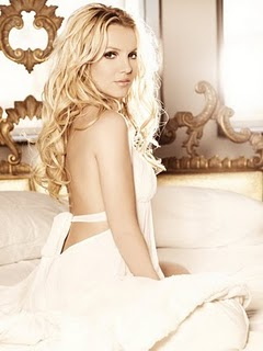 Britney-Spears-Femme-Fatale-Photo-Shoot-