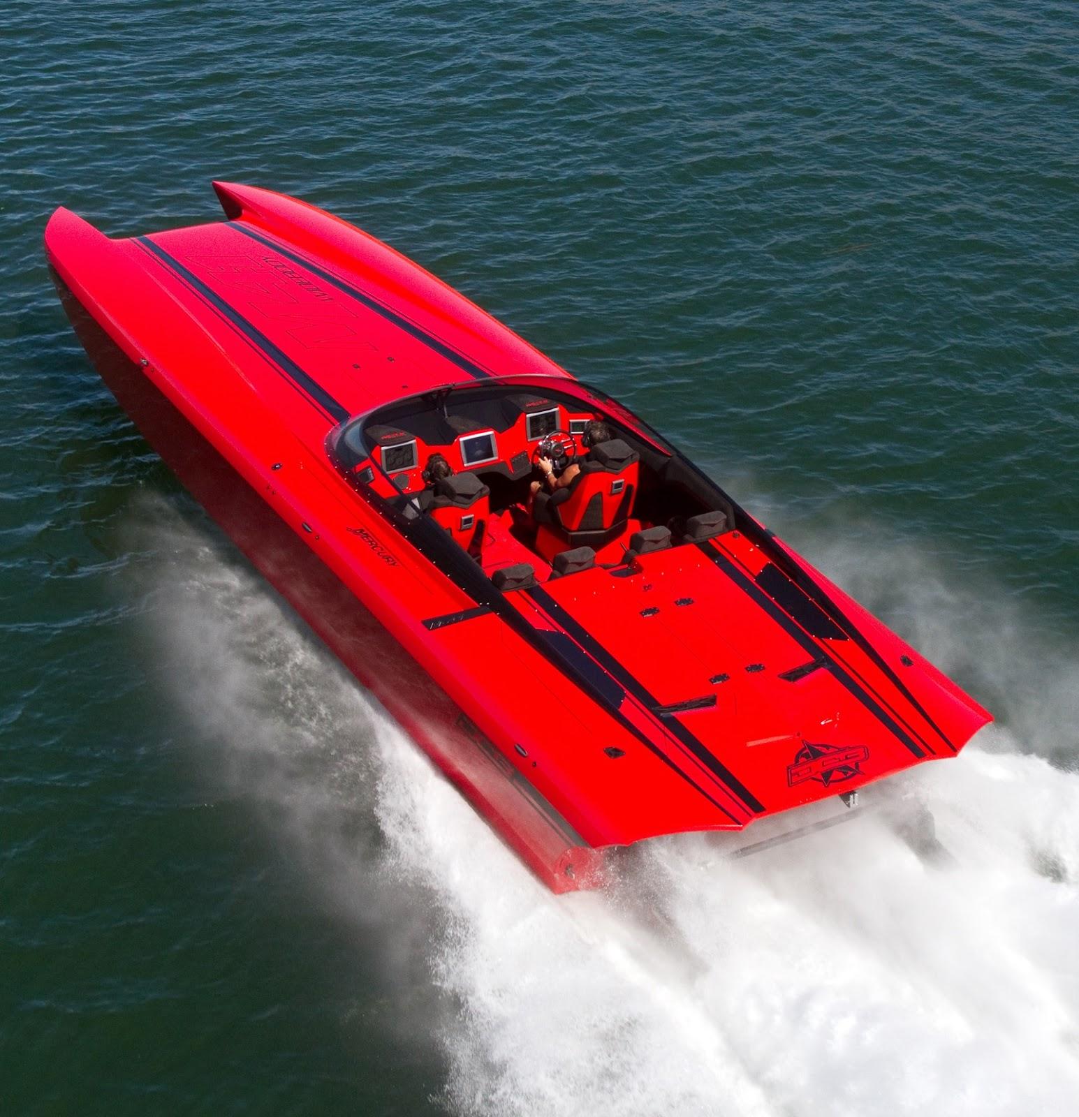 2 700 Horsepower Go Fast Boat At Sema Show Boats Beaches