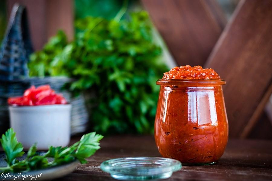 Prosty-sos-pomidorowy-do-wszystkiego