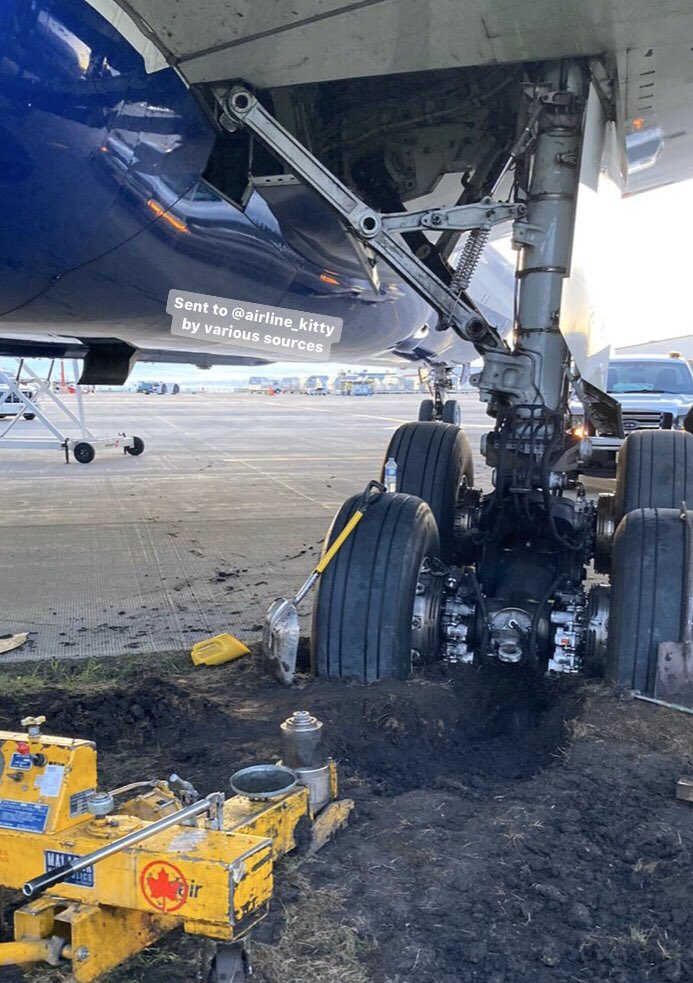 British Airways Boeing 787 Dreamliner Skidded Off Taxiway In Edmonton
