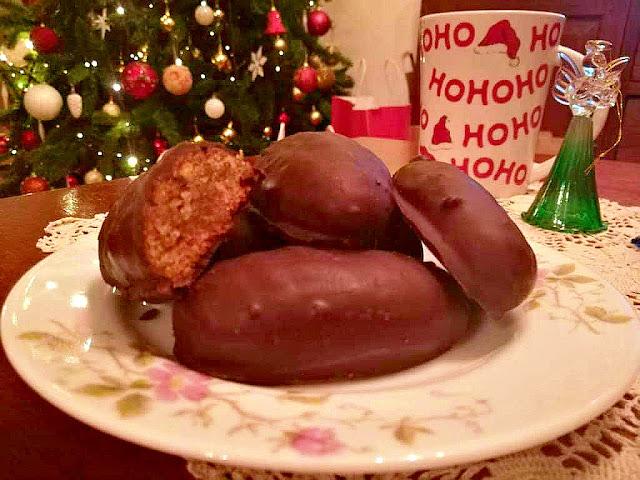 Melomakarona me Sokolata (melomakarona with chocolate)