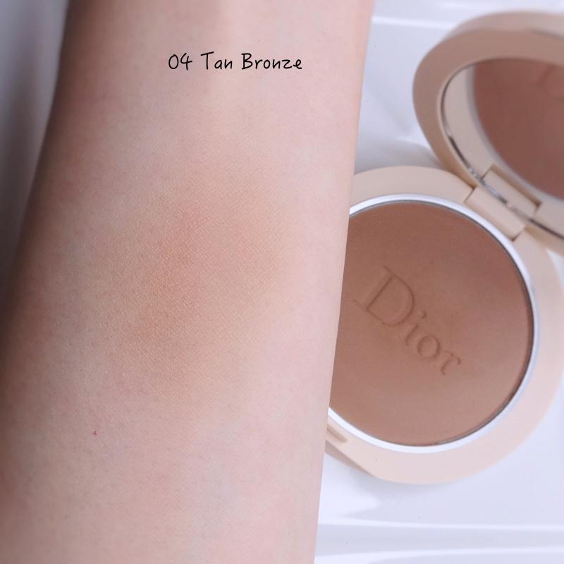 Dior Forever Natural Bronze Powder Tan Bronze (04) swatch