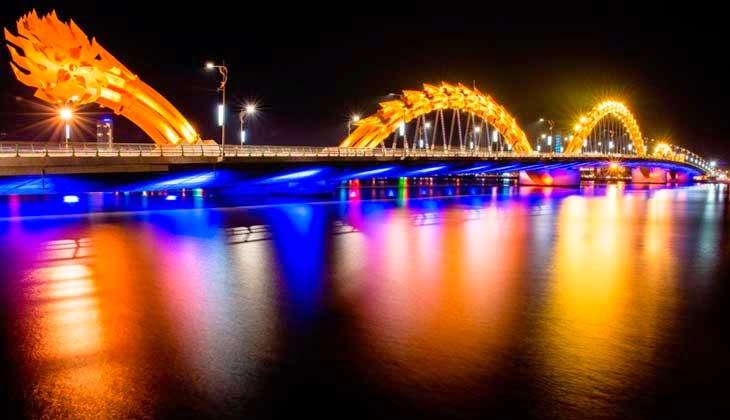 puente alumbrado