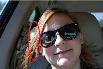 ΑΝΑΤΡΙΧΙΛΑ - Έβγαζε selfie μέσα στο αυτοκίνητο όταν ο φακός κατέγραψε ένα ΑΓΝΩΣΤΟ αγόρι στο πίσω κάθισμα - Τότε κατάλαβε πως... [photos]