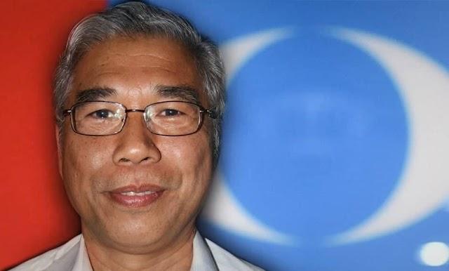 Ahli Parlimen PKR Pasir Gudang Desak Tun Mahathir Letak Jawatan