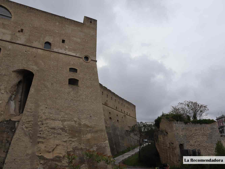 Castillo de Sant'Elmo desde fuera. Es una pedazo fortaleza.