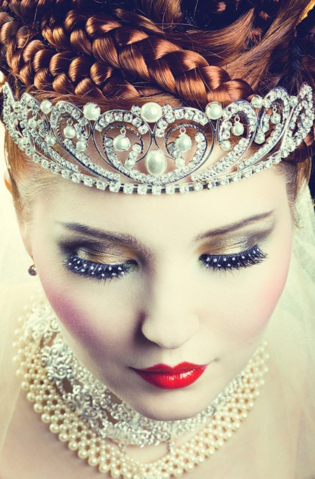 7+bridal+makeup+hair+tiara+headpiece+jewelry+Ray+bradbury+science+fiction+fantasy+carnival+futuristic+steampunk+wedding+inspiration+bride+groom+theme+red+glitter+black+vintage+rustic+mars+The+Frosted+Petticoat - My Conversation with Ray Bradbury