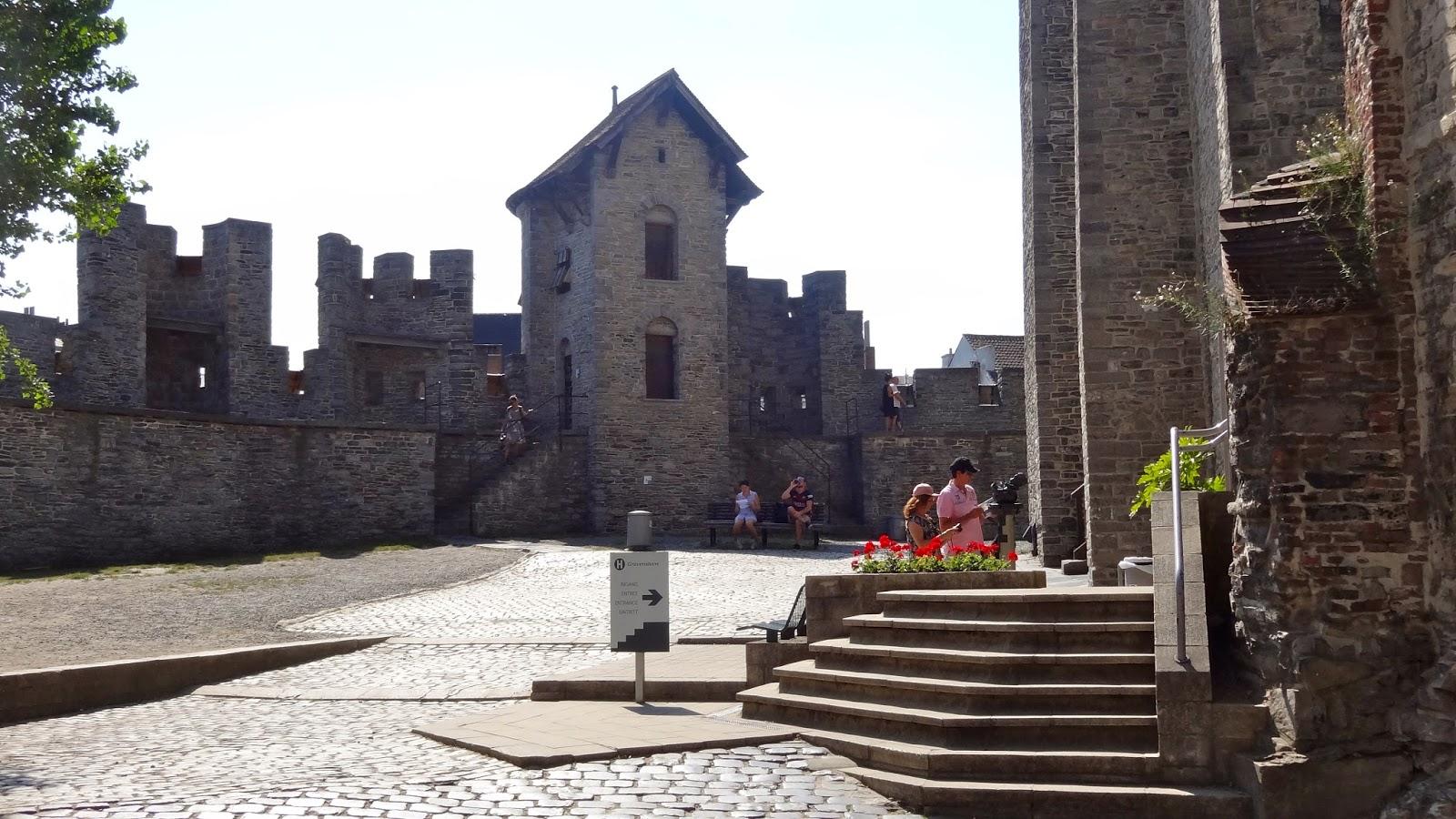 【比利時自由行】根特草巷及玉米巷與法蘭德斯伯爵城堡   真幸福