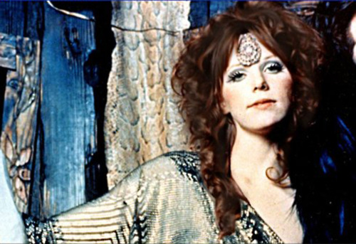 Jim Morrison: Pamela Courson - Το κοσμικό ταίρι του Jim ...
