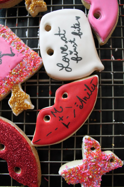 Best Valentine decorated cookies @www.thecookiecouture.com