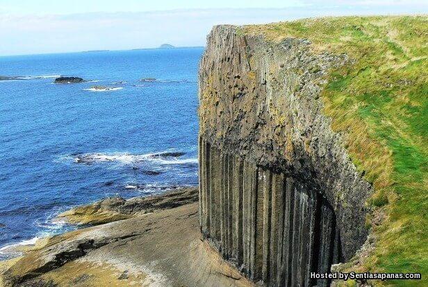 Fingal's Cave [6].jpg