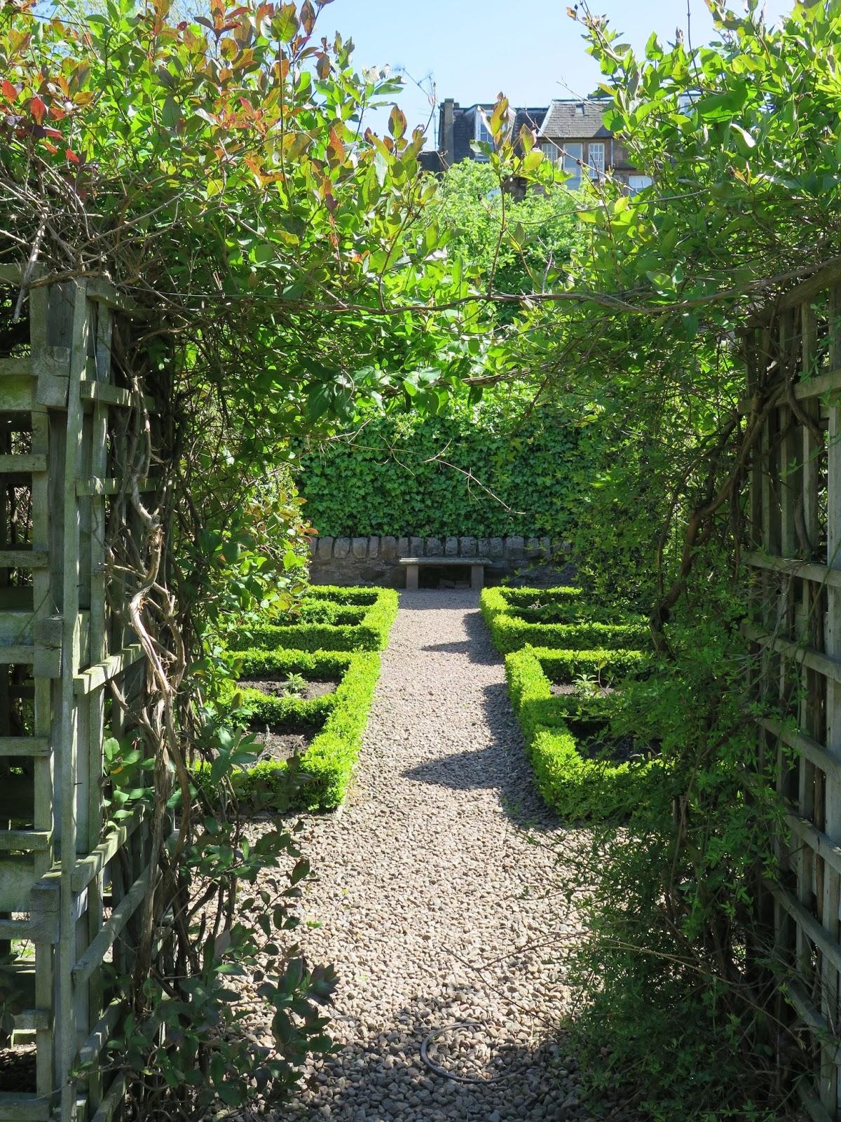 Ciao Domenica A Secret Garden