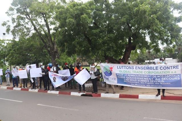 Les ras-le-bol des victimes des sociétés de trading devant le ministère de l'Economie