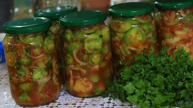zeleni-paradajz-u-tegli