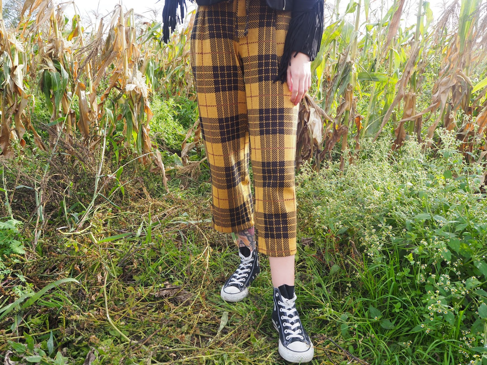 pull and bear tartan trousers