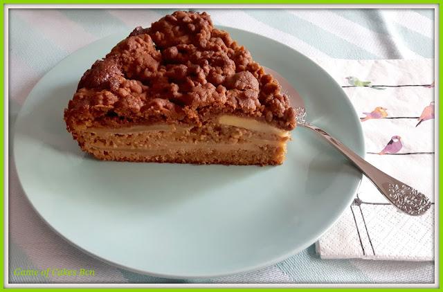 Porción de tarta de manzana Streusel