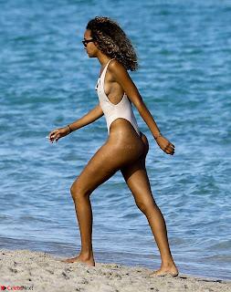 J-Lynne-in-Swimsuit-2017--06-sexycelebs.in+010.jpg
