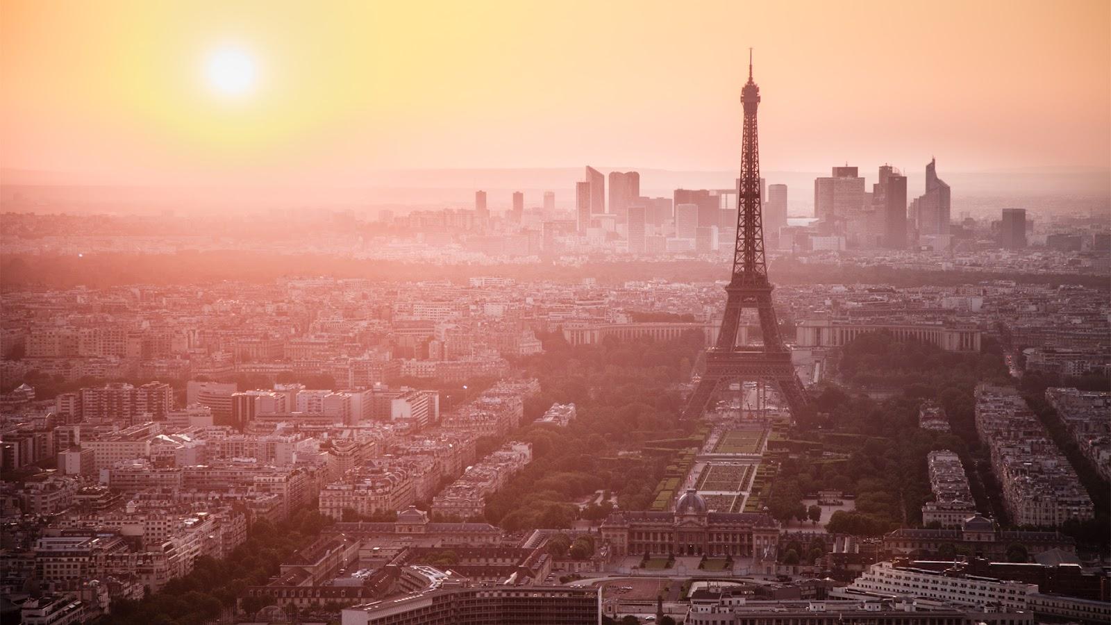 Eiffel Tower HD Desktop Wallpapers | Desktop Wallpapers