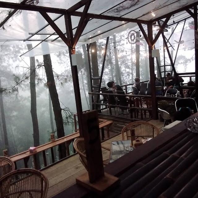 Cafe Hits di Pasuruan