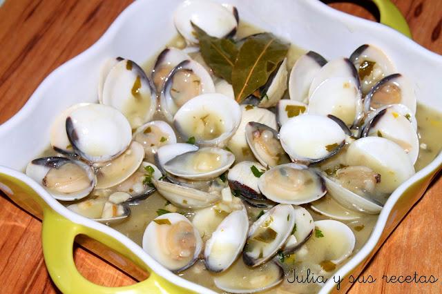 Almejas en salsa verde. Julia y sus recetas