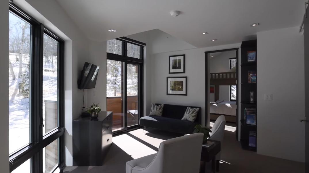 39 Interior Design Photos vs. 476 Pilgrim Dr, Edwards, CO Luxury Modern Home Tour