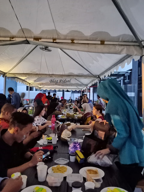 Menikmati Aneka Olahan Durian di Hotel Radisson Medan 01