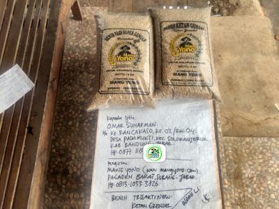 Benih padi yang dibeli    OMAR SUHARMAN Bandung, Jabar.  (Sebelum packing karung ).