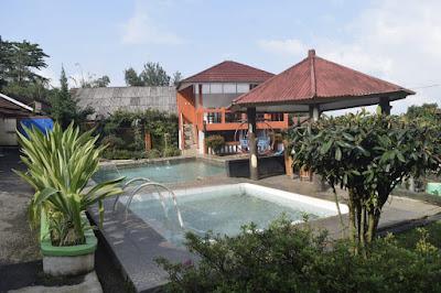 Villa Ciater Kolam Renang Pribadi