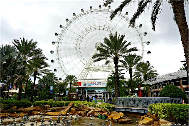 La Noria de Icon Park en Orlando, Florida