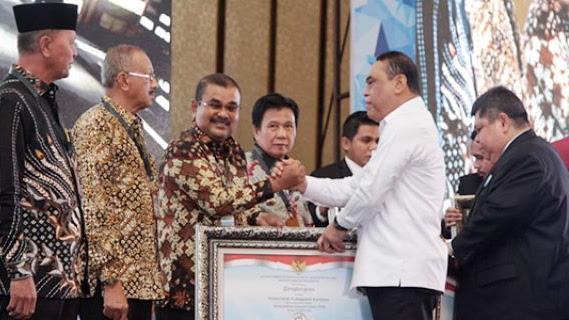 Kemenpan RB Memberikan Penghargaan LHE SAKIP Tahun 2018 Kepada Pemdakab Karimun