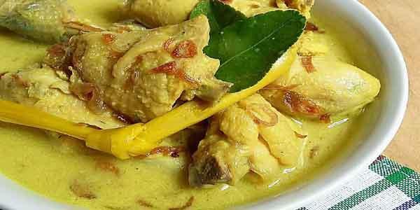 Opor ayam merupakan salah satu jenis masakan yang paling terkenal di Indonesia Aneka Resep Opor Ayam Menu Khas Lebaran