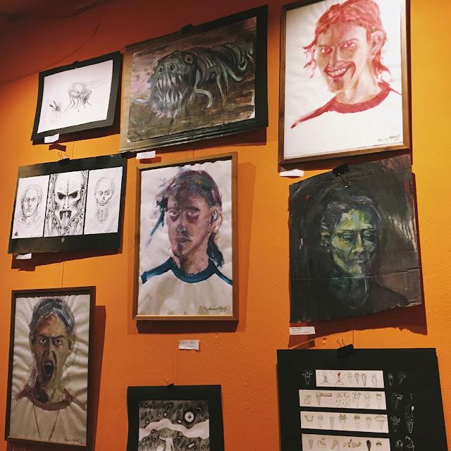 Smoke on the Tea je názov výstavy mladých umelcov.