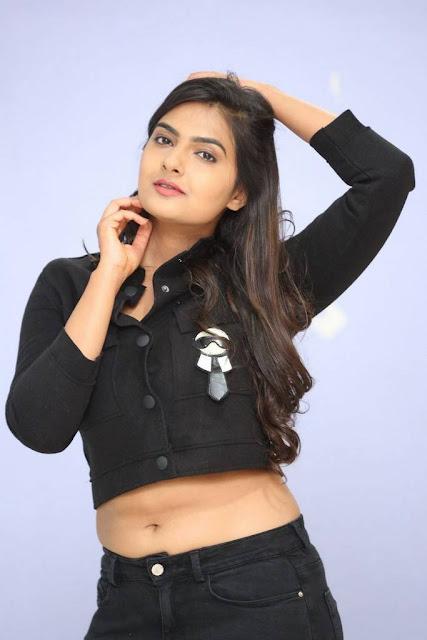Neha deshpande navel pics telugu actress