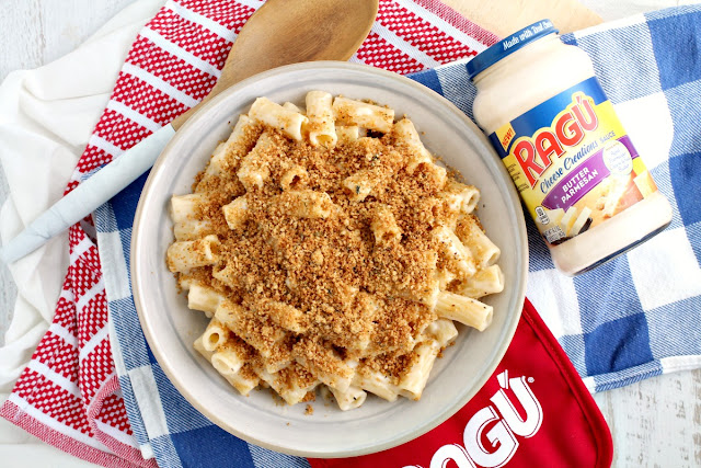If you are looking for the perfect crowd-pleasing side dish for you Thanksgiving dinner table, then look no further than this recipe for Real Deal 3-Minute Mac from my friends at RAGÚ®.