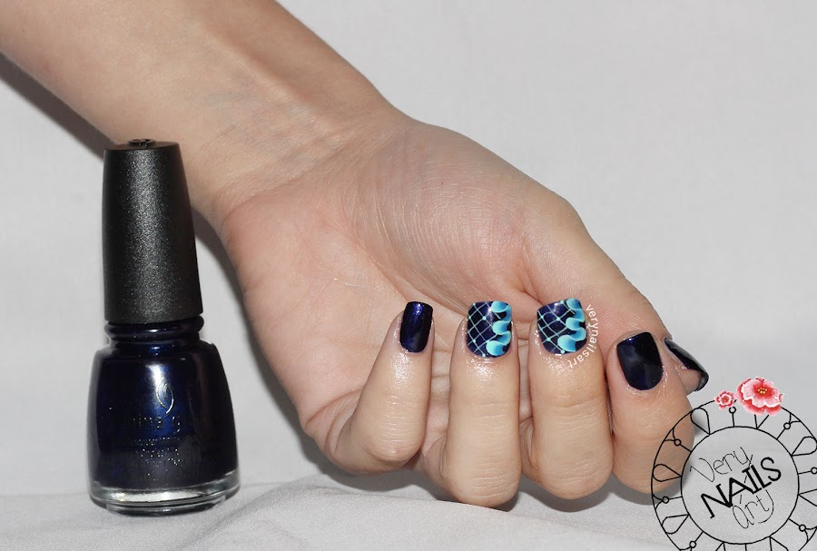 unas-decoradas-azul-esmalte-china-glaze
