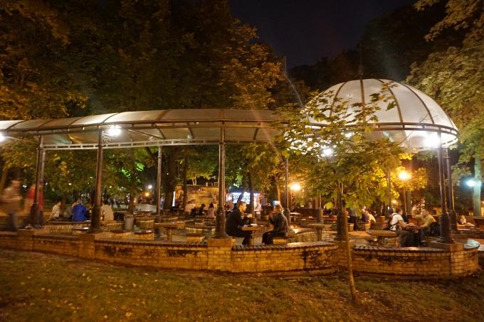 Kokemuksia Kiovasta - mitä tehdä ja minne mennä? Terassit ja ulkona syöminen.