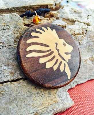 collar madera artesanal
