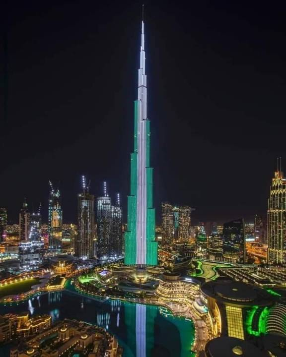 True Story Behind UAE Lighting Up The Burj Khalifa To Celebrate Nigeria's Independence Day