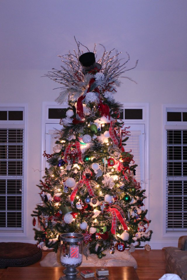 Beautifully Decorated Luxury Living Room 3d Models: Charlotte NC Holiday-Christmas-Event Decorating Services