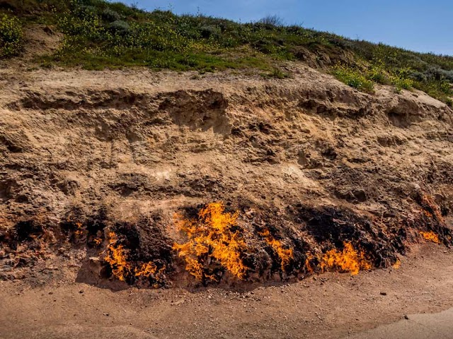 Buring for 4,000 years, the fire in Azerbaijan has not stopped