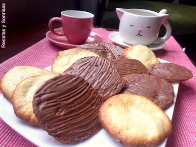 GALLETAS FINAS DE ALMENDRA Y CHOCOLATE
