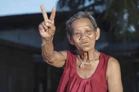 เนื่องจากปี 2545 เป็นต้นมา ลักษณะครอบครัวไทยเป็นแบบฝักถั่ว พ่อแม่ลูก ผู้สูงอายุถูกทอดทิ้งให้อยู่คนเดียว คนนิยมอยู่เป็นโสด ผู้สูงอายุจะถูกส่งไปดูแลในสถานบริการมากขึ้น และเต็มไปด้วยโรครุมเร้า เพราะปัจจุบันคนทุกกลุ่มเป็นโรคอ้วนมากขึ้น