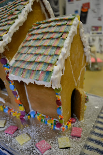 Hide And Go Cook Gingerbread House