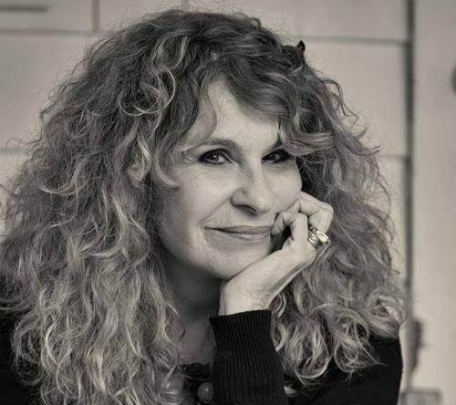 #AudioPoema #YoMeQuedoEnCasaLeyendo #Poesía La madre, de Gioconda Belli